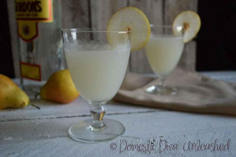 Domestic-Diva-Gin-Pear-Cocktails-1024x681