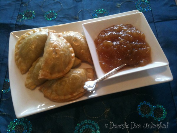 Beef-Samosas-with-Pear-Chutney-600x450